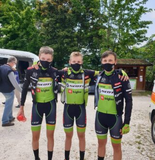 Another top performance from our U17 team, with 3 riders ending in top10 in #iuliumcarnicum race. @lesnik.jan takes second place after hard battle on the last 3km climb in Zuglio. @erazemvaljavec was seventh and @jakob_sagadin took ninth place.